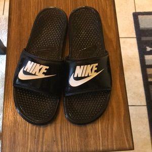 Shoes - Nike slide pool shoes